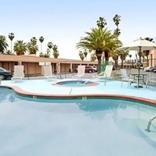 фото Parkland Hotel 686410725