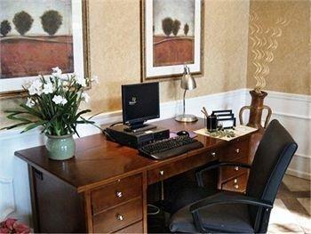фото Baymont Inn & Suites - Henderson 686466581