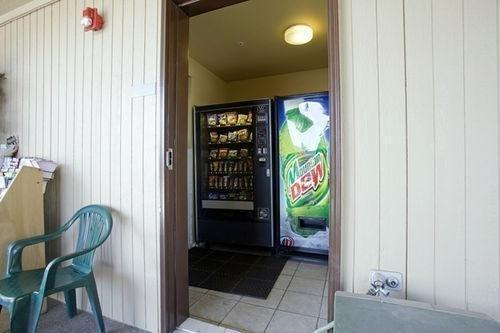 фото Americas Best Value Inn Lakewood South Tacoma 686468795