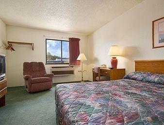фото Super 8 Motel - Whitehall 686482162