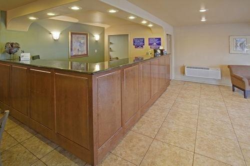 фото Americas Best Value Inn Eagle Pass 686484538
