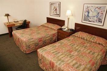 фото LivINN Hotel St Paul East / Maplewood 686489477