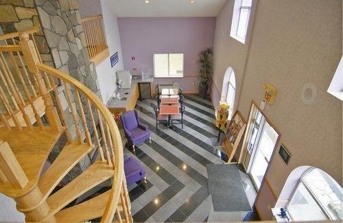 фото Americas Best Value Inn & Suites 686496396