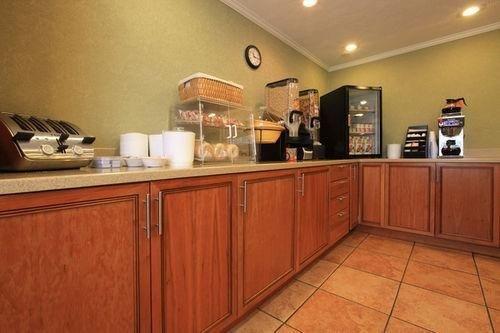 фото Americas Best Value Inn Beckley 686503430