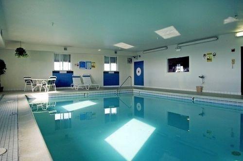 фото Days Inn & Suites Romeoville 686508038