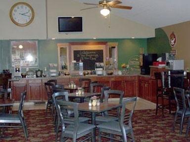 фото Americinn Lodge & Suites Of Davenport 686513226