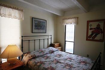 фото Ten Mile Island Condominiums 686527532