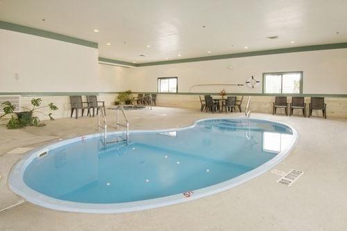 фото Americas Best Value Inn Torrington 686535116