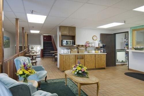 фото Americas Best Value Inn Torrington 686535117
