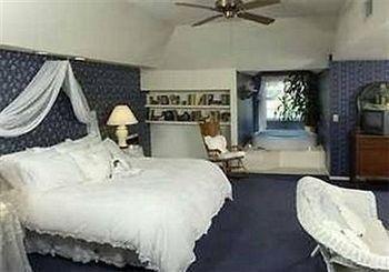 фото Abella Garden Inn Bed and Breakfast 686564573