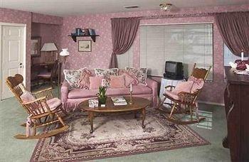 фото Abella Garden Inn Bed and Breakfast 686564574