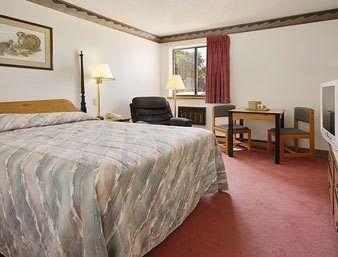 фото Super 8 Motel - Madison 686568745