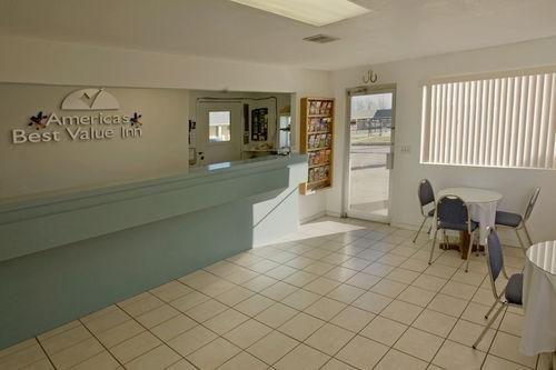 фото Americas Best Value Inn Giddings 686569547