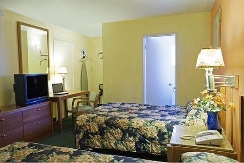 фото Americas Best Value Inn - Livermore 686610248