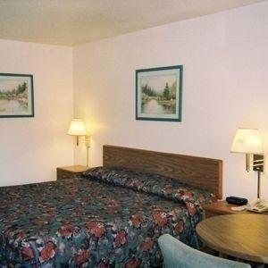 фото Colony Lodge Pine Grove 686622407