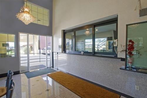 фото Americas Best Value Inn - Azusa/Pasadena 686637538