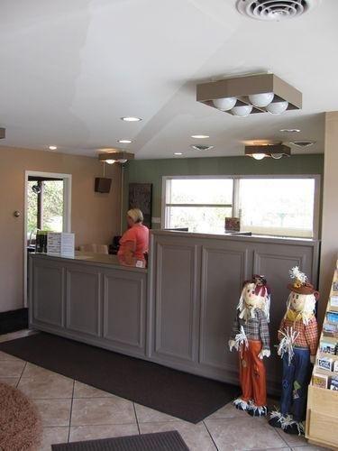 фото Americas Best Value Inn Scottsburg 686648013