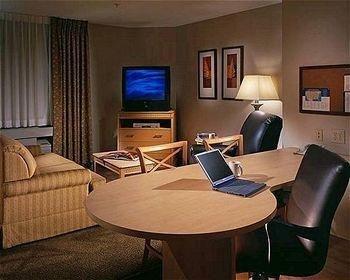 фото Candlewood Suites Aberdeen-Edgewood-Bel Air 686658703