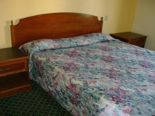 фото Scottish Inn and Suites Corona 686732449