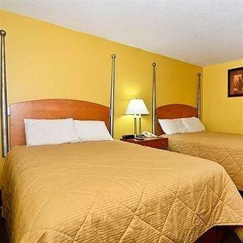 фото Charleston Eagle Inn 686769172