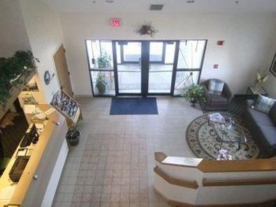 фото Baymont Inn And Suites Brooklyn, Ia 686777270
