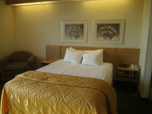 фото Baymont Inn And Suites Brooklyn, Ia 686777271