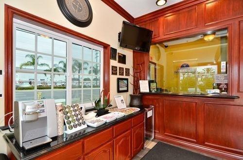 фото Americas Best Value Inn- Westminster/ Huntington Beach 686803896