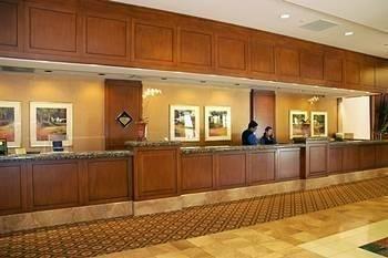 фото Hilton Los Angeles North-Glendale & Executive Meeting Center 687034976