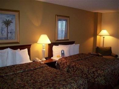 фото Holiday Inn Charleston Mt. Pleasant Hotel 687160573
