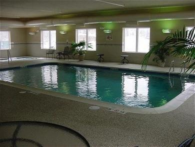 фото Holiday Inn Express Logan Hotel 687224662