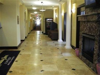 фото Holiday Inn Express Hotel & Suites Detroit - Farmington Hills 687241477