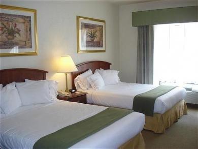 фото Holiday Inn Express Northeast 687242299