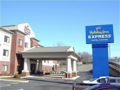 фото Holiday Inn Express Rocky Mount/Smith Mtn Lake 687259591