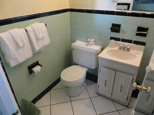 фото Travelers Inn Motel 687688182