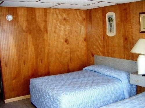 фото Edgewater Lodge 690349235