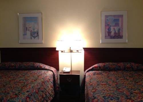 фото Hospitality Inn Redding 692563199