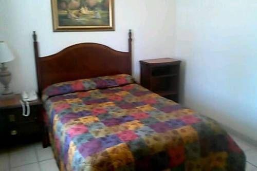 фото Economy Inn Paso Robles 692796347