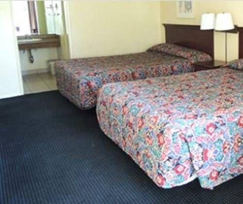 фото Hospitality Inn Redding 692796431
