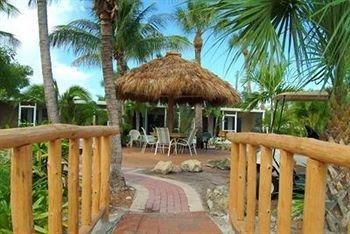 фото Tropical Breeze Resort 693261643