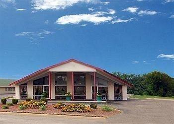 фото Economy Inn And Suites 693330210