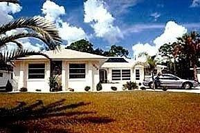 фото Port Charlotte Vacation Homes 693332995
