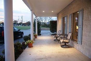 фото French Creek Inn 693416421