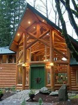 фото Sandy Salmon Bed & Breakfast Lodge 693523663