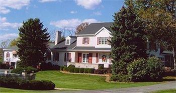 фото West Ridge Guest House 693526940