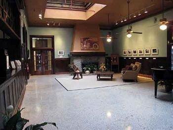 фото Edgewater Hotel 693528404