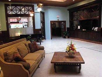 фото Edgewater Hotel 693528405