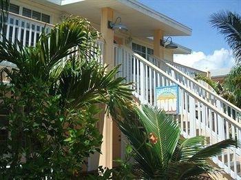 фото Manatee Bay Inn 693529899