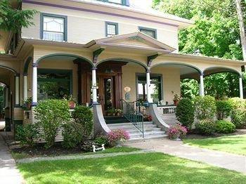 фото The Glens Falls Inn 693541574