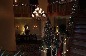 фото Camelot Restaurant & Inn 693542338