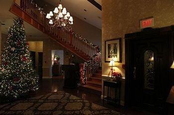 фото Camelot Restaurant & Inn 693542339